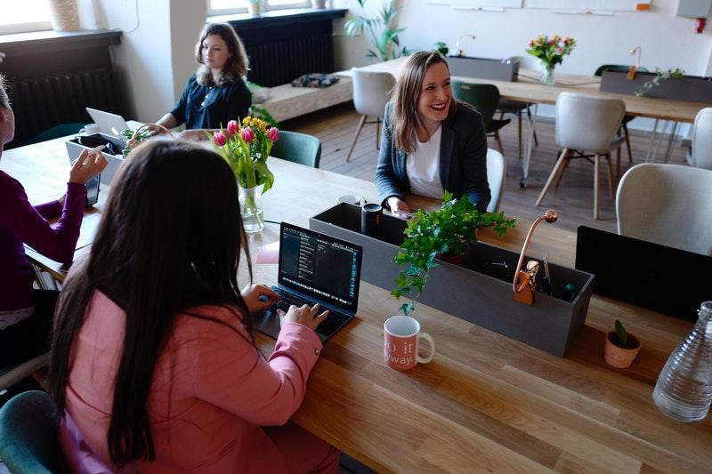 Choisir du mobilier dans un coworking